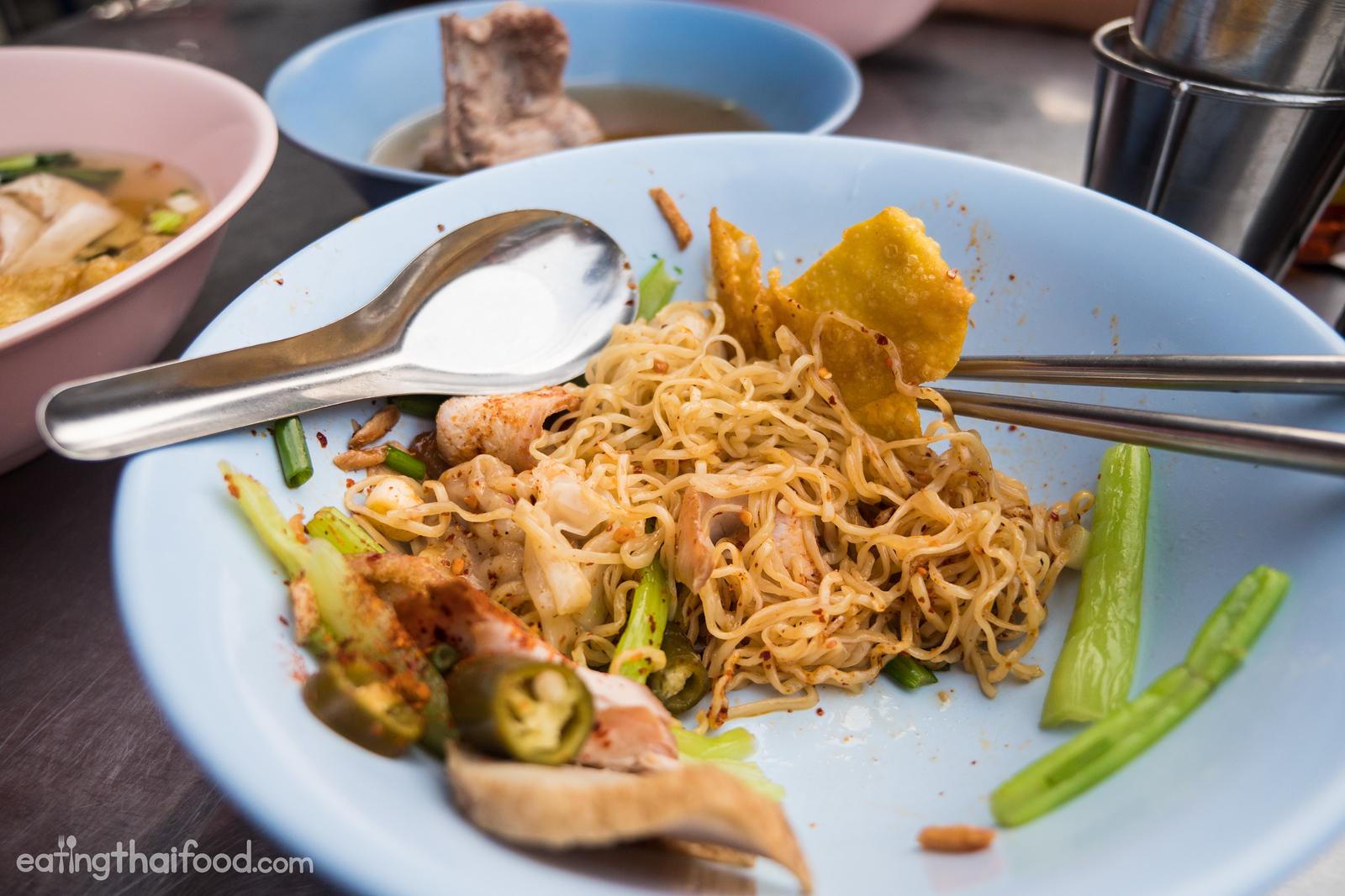 Bangkok street food at Saphan Kwai