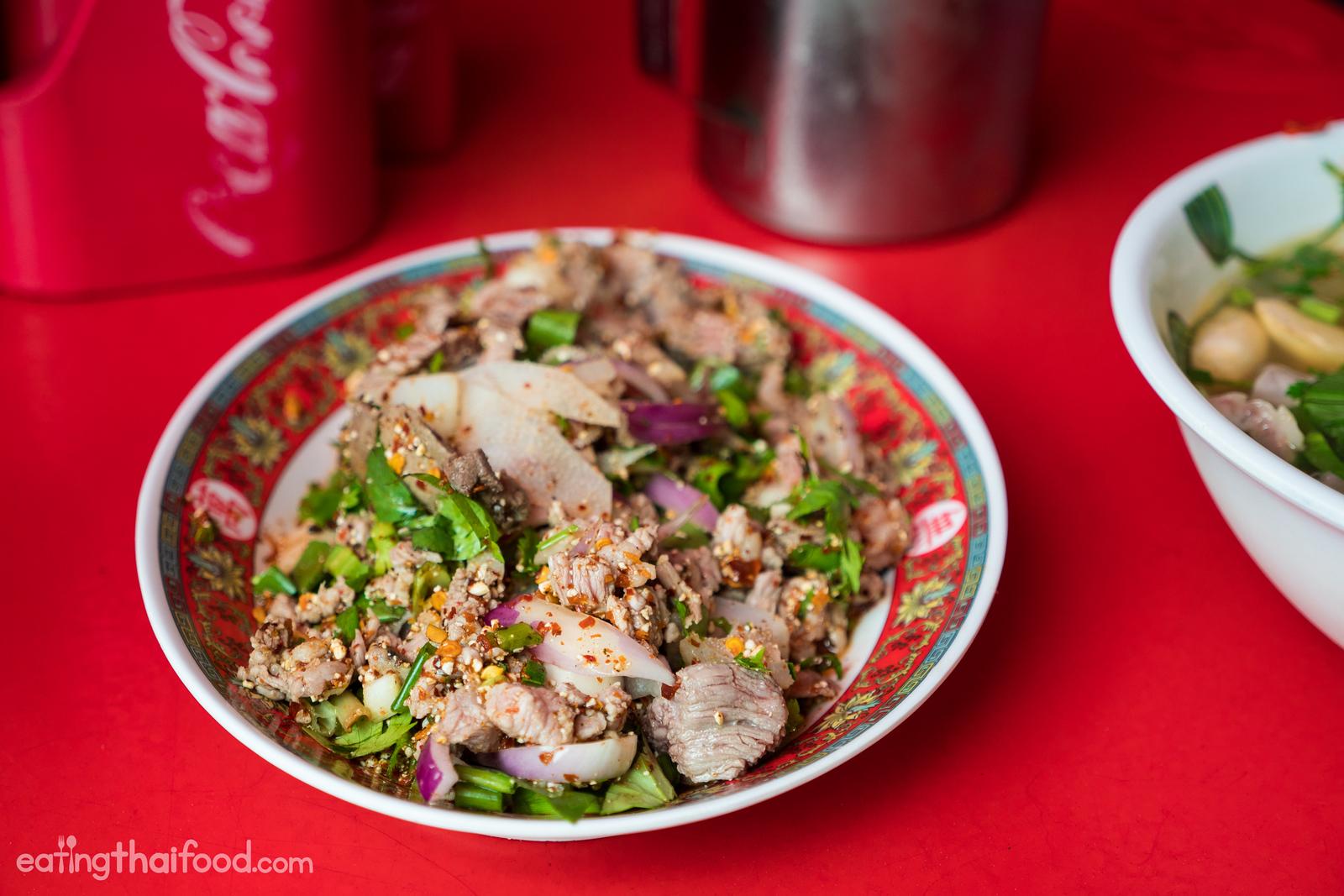 Isaan beef salad