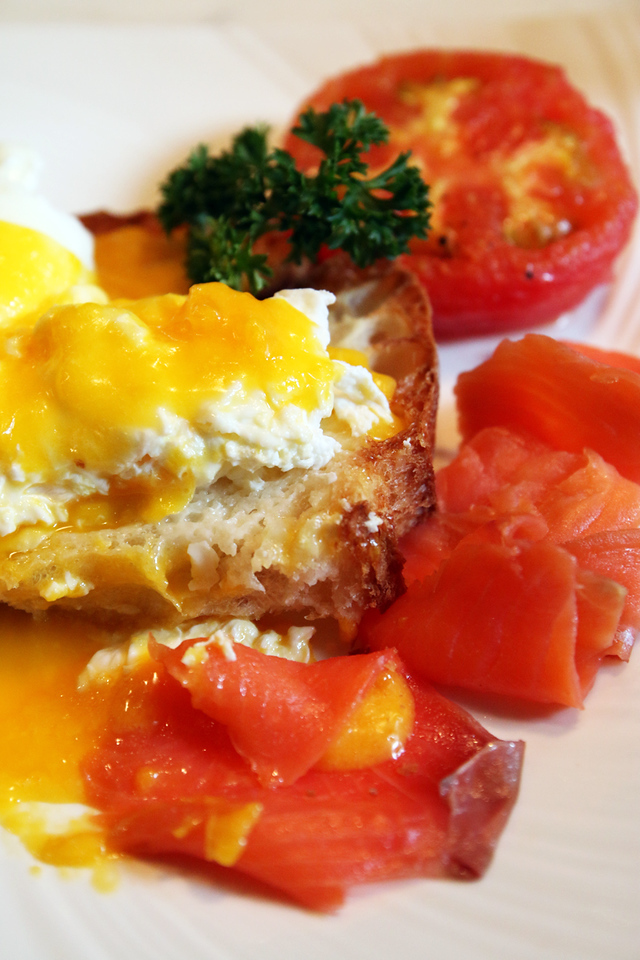 Nice plate of eggs royale