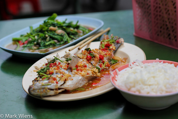 yaowarat bangkok M Top 16 Bangkok Street Food Sanctuaries (Are You Ready to Eat?)
