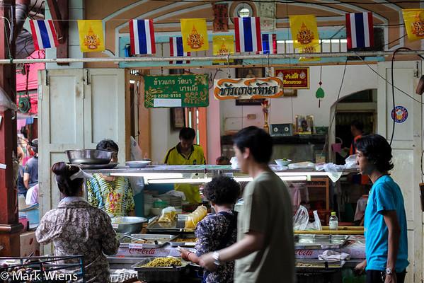 nang loeng market bangkok M Top 16 Bangkok Street Food Sanctuaries (Are You Ready to Eat?)