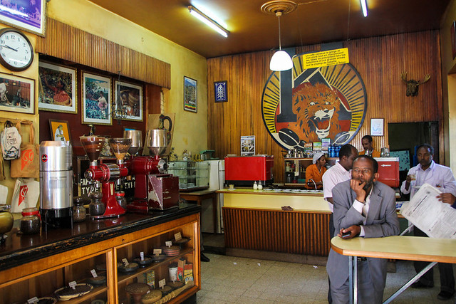 tomoca coffee addis ababa ethiopia 9 640x427 5 of the Best Coffee Shops in Addis Ababa, Ethiopia