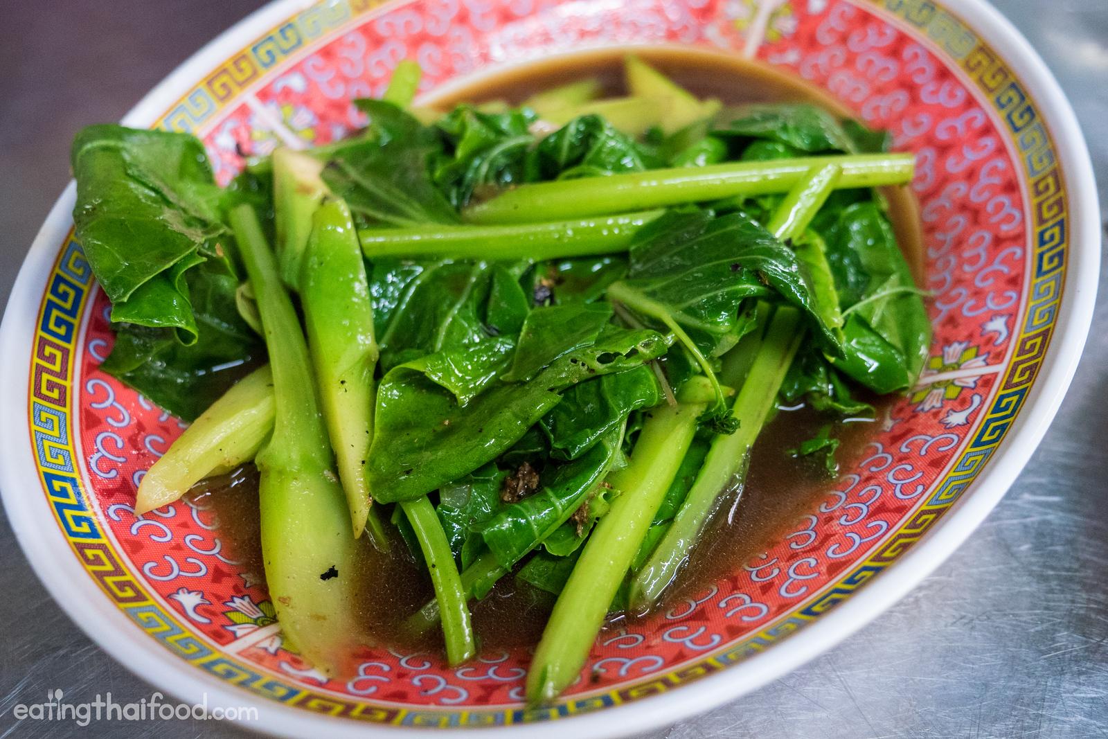 Pad pak kana (ผัดผักคะน้า)