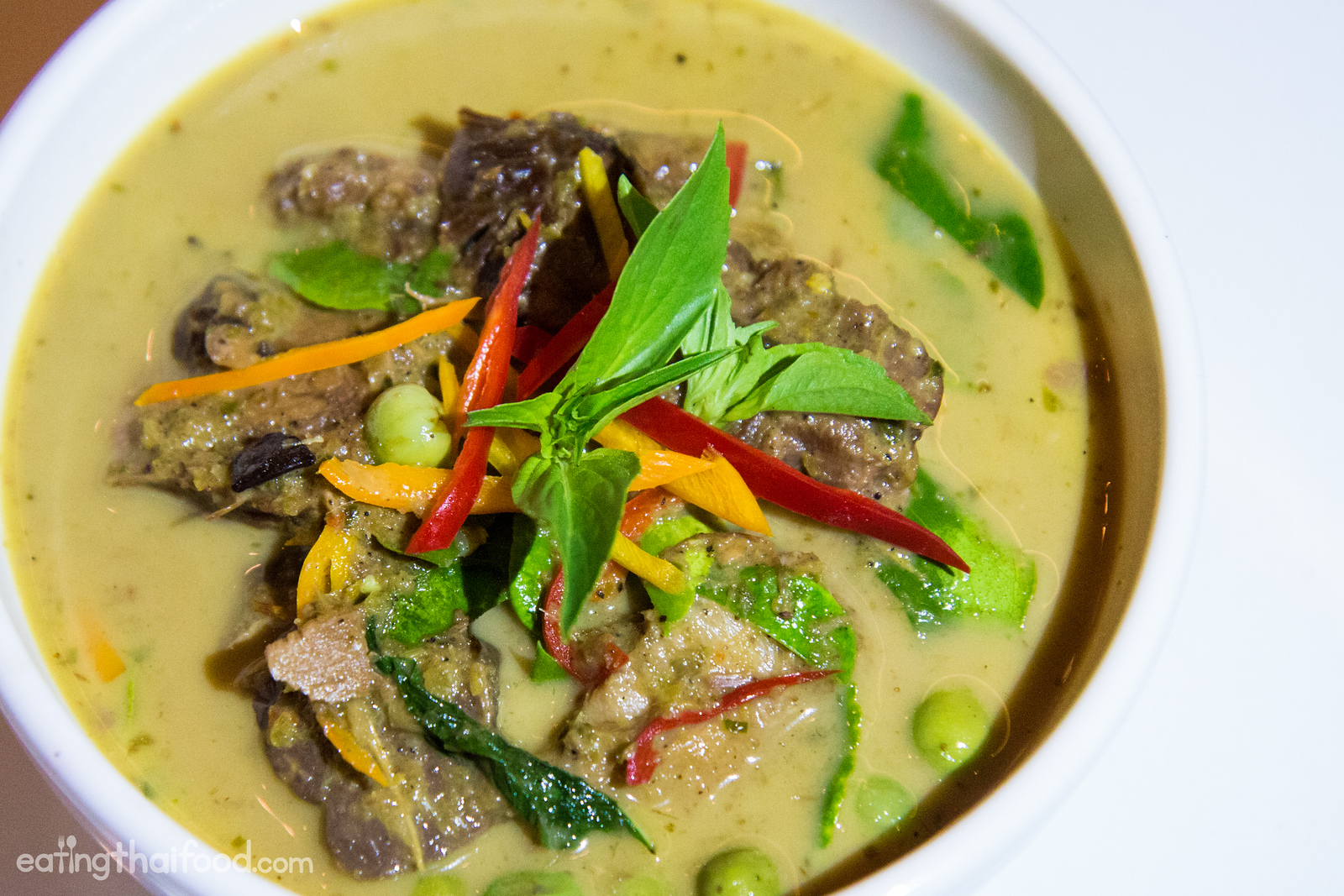 Braised beef green curry (แกงเขียวหวานเนื้อตุ๋น)