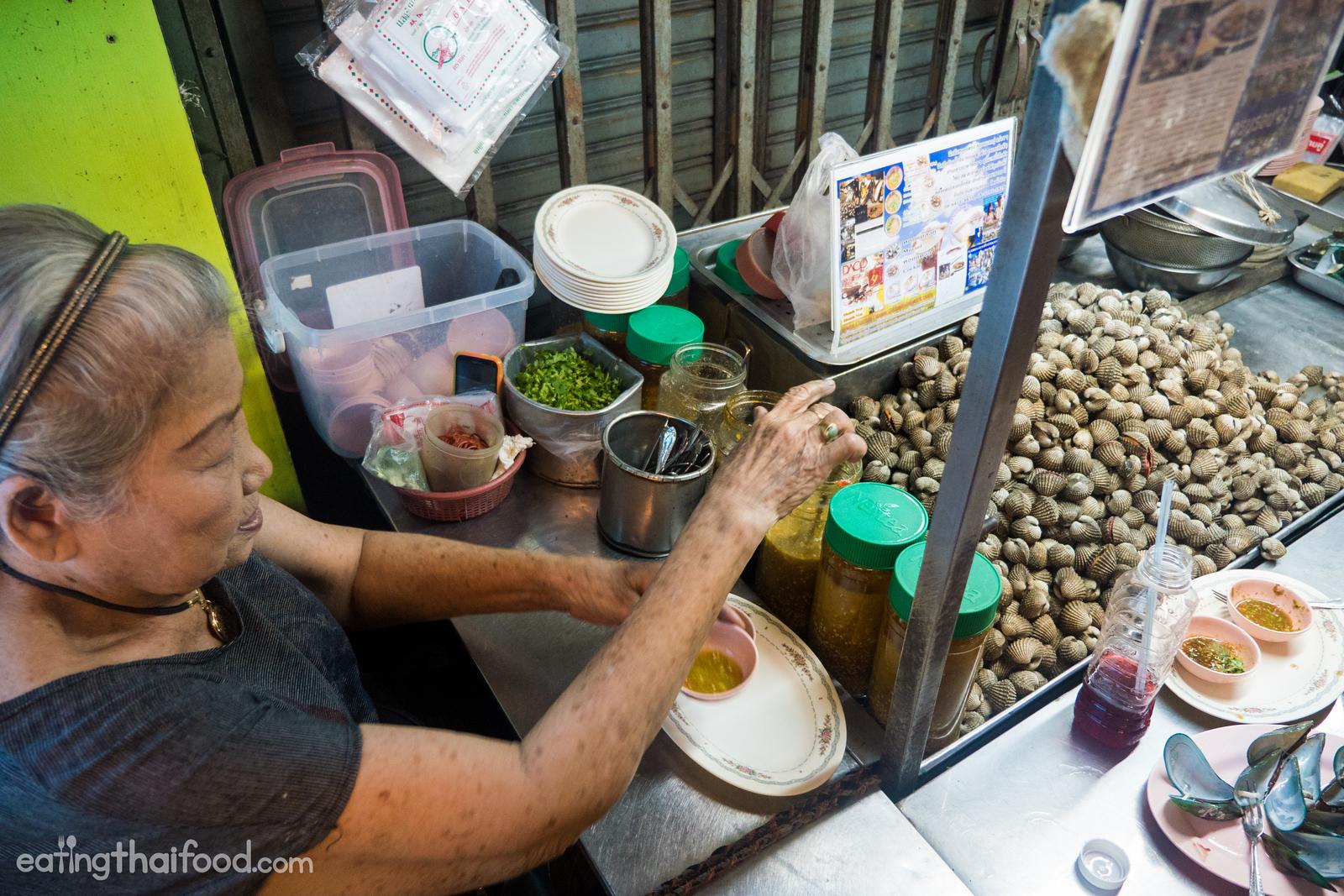 Thai street food in Yaowarat