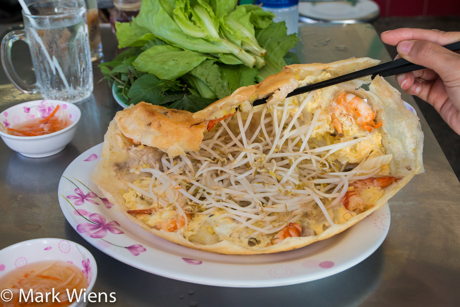 Vietnamese food 25 must eat dishes in saigon and where to try them banh xeo forumfinder Choice Image